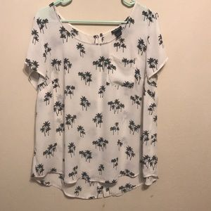 Pretty torrid palm tree blouse with buttons size 1